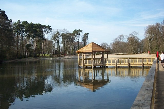 tilgate park lake