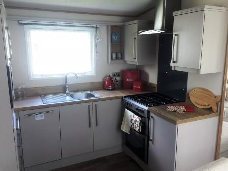 Clarendon kitchen2