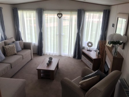 Clarendon living room2